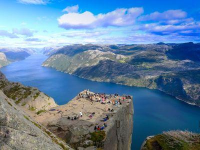 Besuch Stavanger und Wanderung zur spektakulären Klippe von Preikestolen