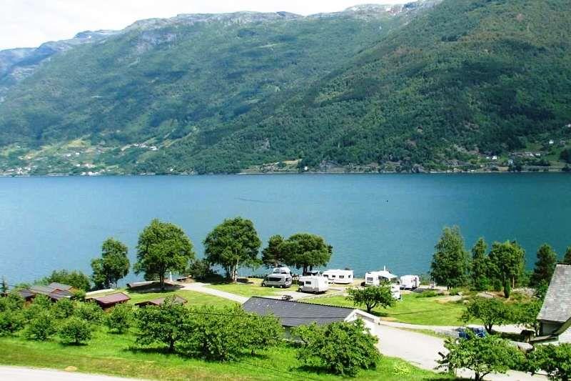 Eikhamrane Camping ligging