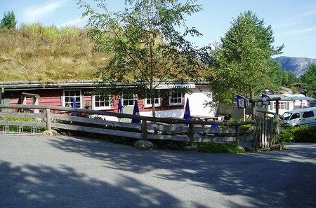 Grindafjord Feriesenter cafetaria met terras