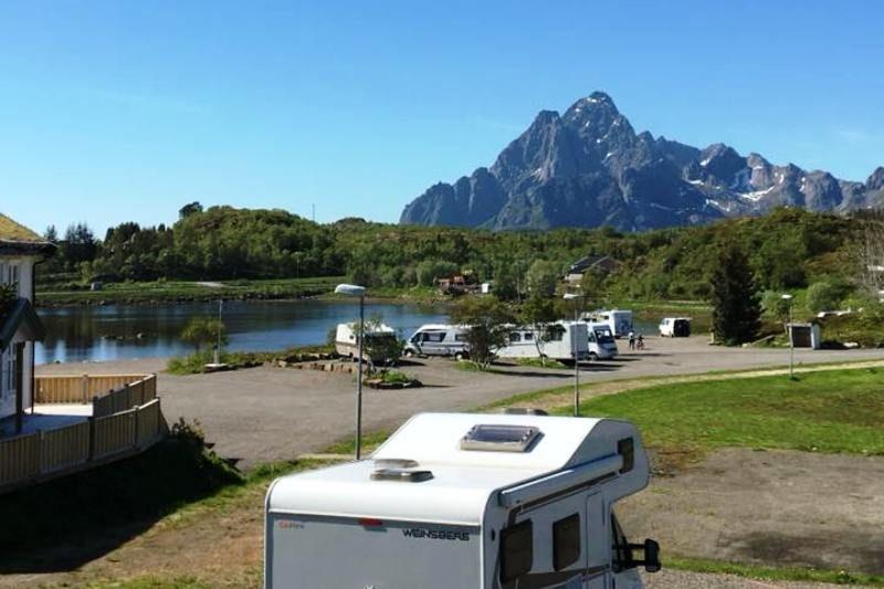Kabelvag Feriehus & Camping uitzicht