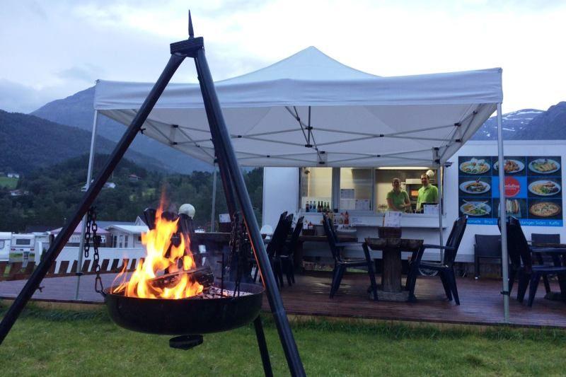 Kinsarvik Camping Snackbar met terras