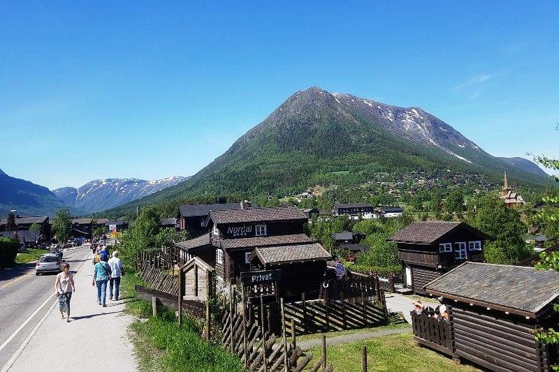 Nordal Turistsenter Lom ligging