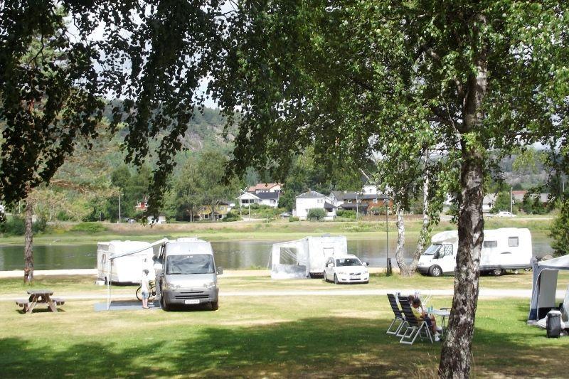 Odden Camping Evje kamperen aan het water