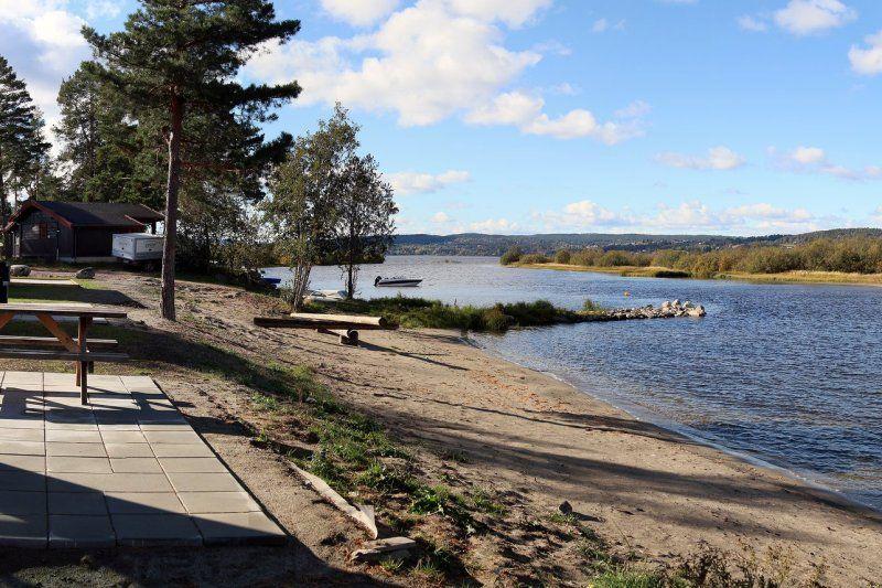 Odin Camping Royse zandstrand bij het Tyrifjord