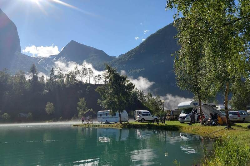Oldevatn Camping kampeerplaatsen