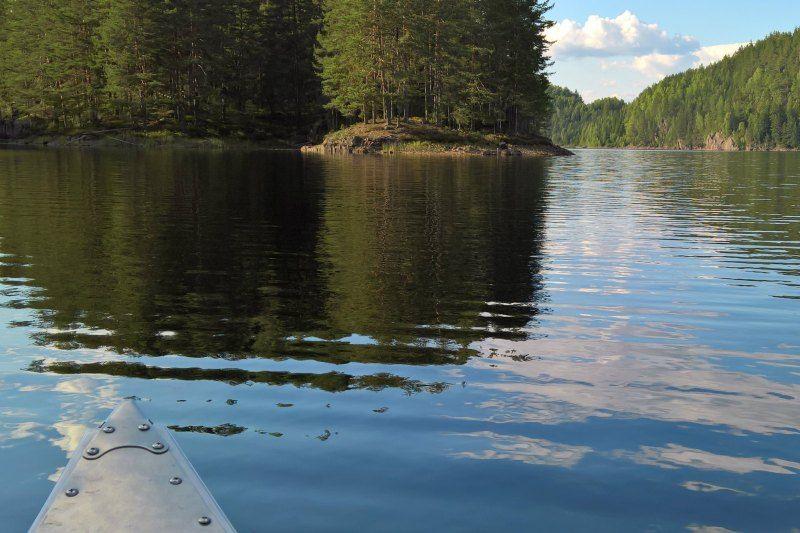Telemark Kanalcamping rust op het water