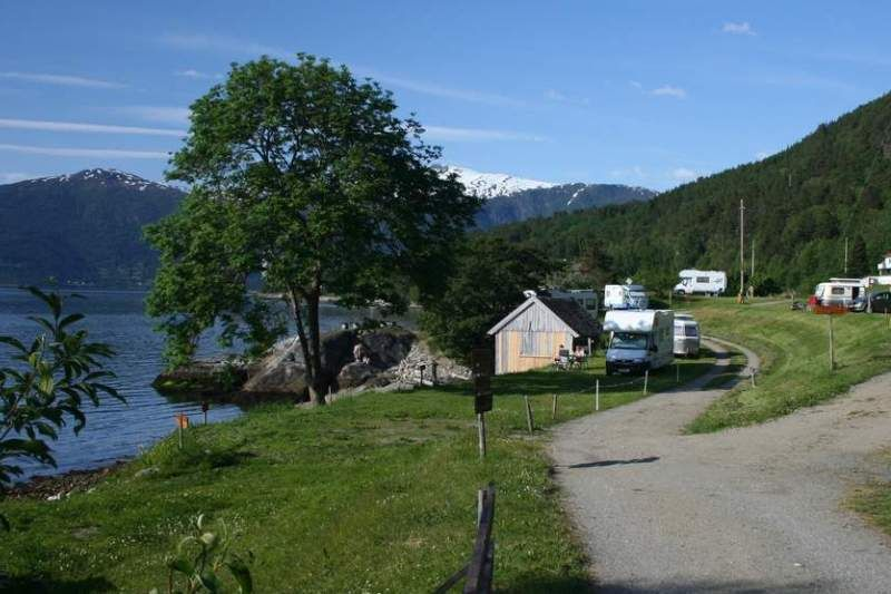 Tveit Camping Vangsnes ligging
